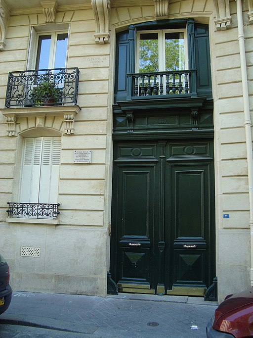 Porte maison rue de Navarre