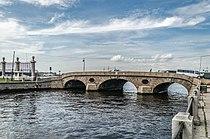 Prachechny Bridge in SPB.jpg