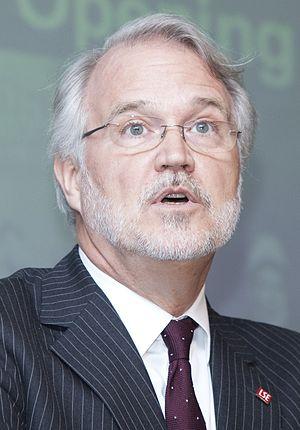 Craig Calhoun - Calhoun at the London School of Economics Library