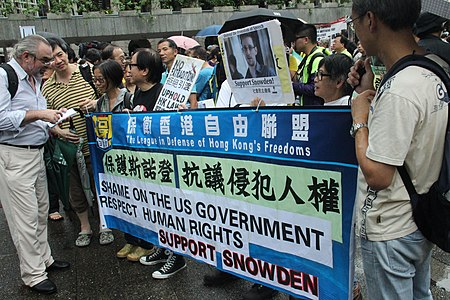 Protesters rally in Hong Kong to support Edward Snowden 10.jpg