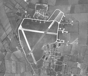 Waterbeach - Image: RAF Waterbeach 1945