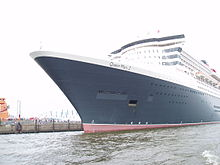 RMS Queen Mary 2 in Hamburg 2.jpg