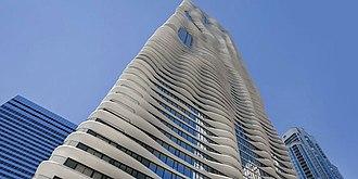 Radisson Blu - Image: Radisson Blu Chicago Exterior
