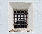 Reichenau St Margarethen 1 Pfarrkirche hl Margaretha Sakristeifenster 17092015 7625.jpg