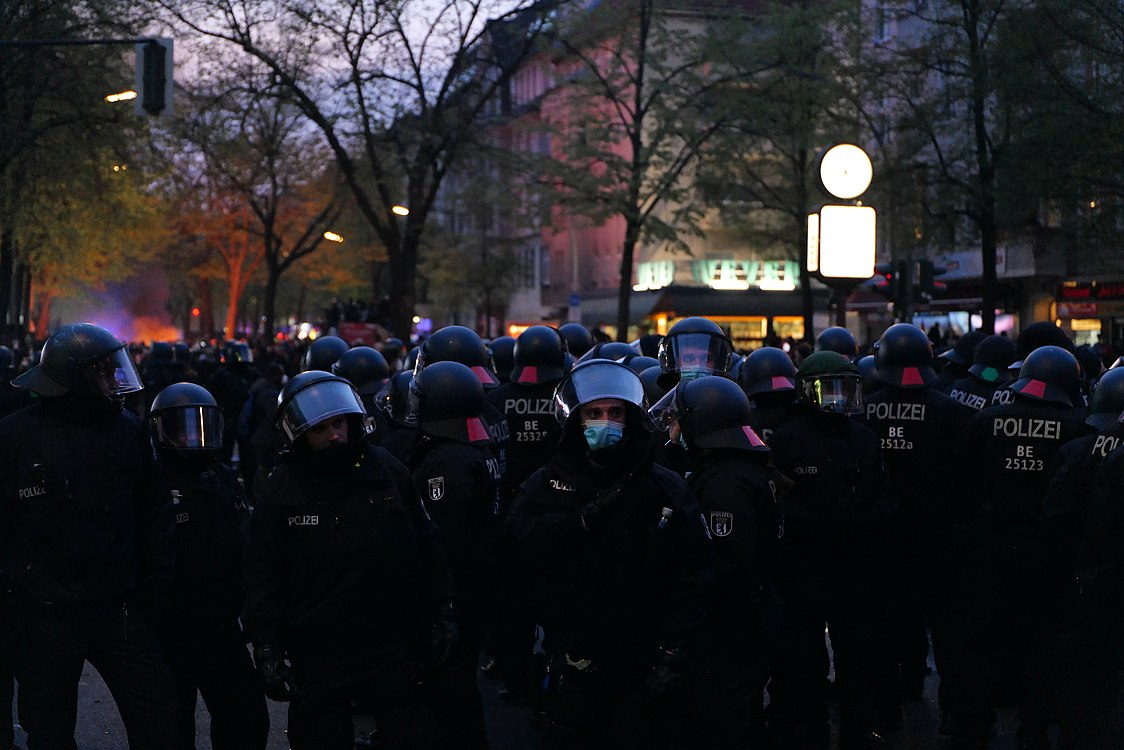 Revolutionary 1st may demonstration Berlin 2021 178.jpg