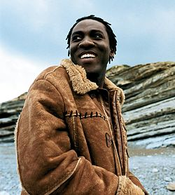 Richard Bona-1.jpg
