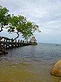 Roatan pier Honduras.jpg