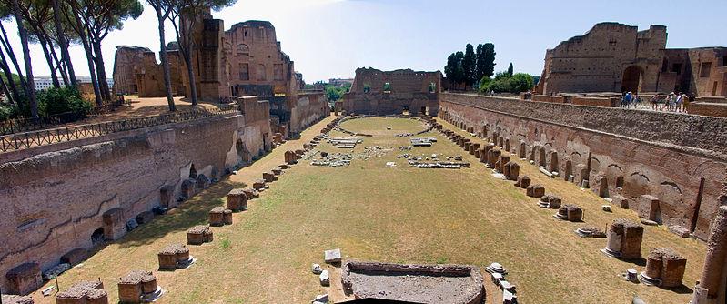 Fichier: Rome Palatin-Le Stadio.jpg