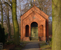 Rosenthal protestant church cemetery berlin, chapel from path.png