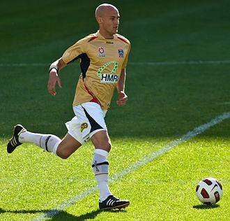 Ruben Zadkovich - Zadkovich playing for Newcastle Jets in 2010