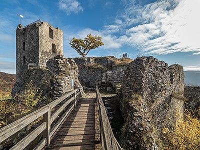 Bridge and castle ruin Neideck
