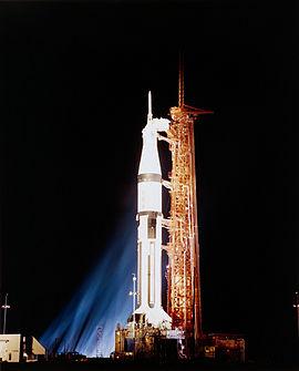 Saturn IB på affyringsrampe LC-34 tæt på Kennedy Space Center, 25 dage før opsendelsen af Apollo 7