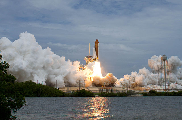 Die Atlantis beim Start am 8. Juli 2011 vom Kennedy Space Center in Cape Canaveral, Florida.