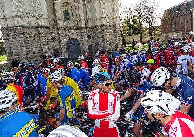 Saint-Amand-les-Eaux - Paris-Roubaix juniors, 12 avril 2015, départ (A73).JPG
