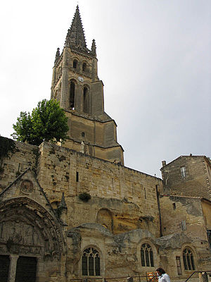 Saint-Émilion - Monolithic church of Saint-Émilion and its bell tower
