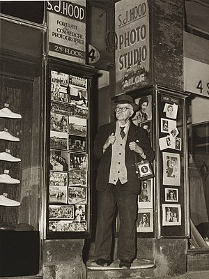 "Sam Hood - Sam Hood outside his ""Dalny Studios"", 124 Pitt Street, Sydney, 1953 (taken just three weeks before his death)"