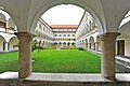 Sankt Veit an der Glan Tanzenberg Arkadenhof des Schlosses 22062012 377 DxO.jpg