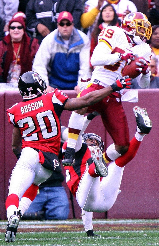 Santana moss leaping catch