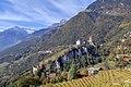 Schloss Tirol und die Brunnenburg von Dorf Tirol aus im Herbst.jpg