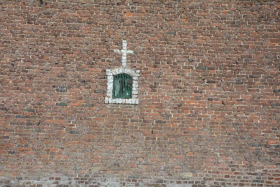 Schrijn in muur van Hekstraat 22, Herne, België