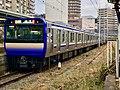 Series E235-1000 F-05 in Yokosuka Station 02.jpg