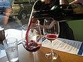 Service du vin rouge.jpg