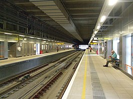 Shoreditch High Street stn look southbound.jpg