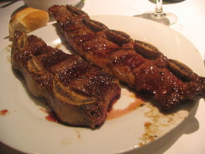 Argentines eat their short ribs like this, bon...