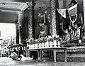 Shwedagon Pagoda Buddhas, 1945.jpg