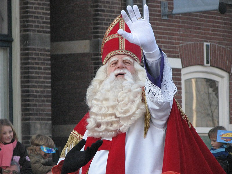 Ficheiro:Sinterklaas arrives in the Netherlands.jpg