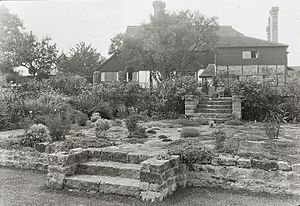 Walter Roper Lawrence - Sir Walter Roper Lawrence house, East Grinstead, by Frances Benjamin Johnston, 1925