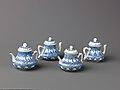 Small covered wine pot or teapot MET SLP1714-1717-1.jpg