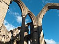Soaring arches at Fountains Abbey - geograph.org.uk - 1622315.jpg