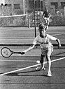 Spaanse Kroonprins Felipe tennist bij kindersportfestival in Mallorca, Bestanddeelnr 929-2679.jpg