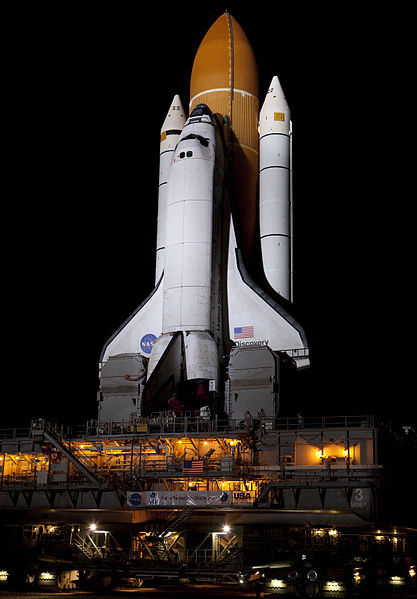 File:Space Shuttle Discovery on its way to Launch Pad 39A for STS-133.jpg