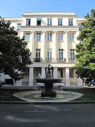 Architecture of Paris - English neoclassical house in the Square d'Orleans (1829–35) by Edward Cresy
