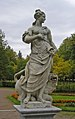 Statue of the goddess Pax (Pavlovsk Garden, St Petersburg, Russia).jpg