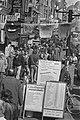Straatbeelden, reclame, menigte, Bestanddeelnr 933-6119.jpg