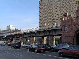 Stralauer Tor (Berlin U-Bahn) - The location of the station in 2006, with the Oberbaumbrücke on the right