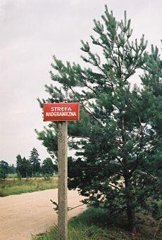 https://upload.wikimedia.org/wikipedia/commons/thumb/c/c6/Strefa_nadgraniczna_Podborowiska.jpg/230px-Strefa_nadgraniczna_Podborowiska.jpg