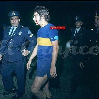 Rubén Suñé - Suñé bleeding after the violence at the Sporting Cristal game for Copa Libertadores in 1971