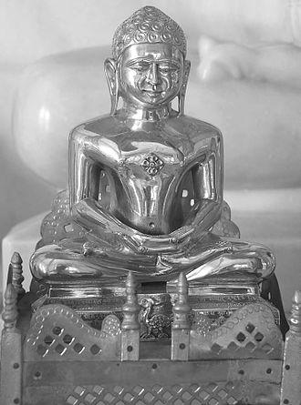 Sumatinatha - Image of Lord Sumatinatha at a Jain temple