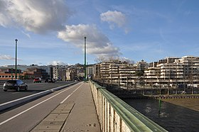 Suresnes view from the Seine 002.JPG