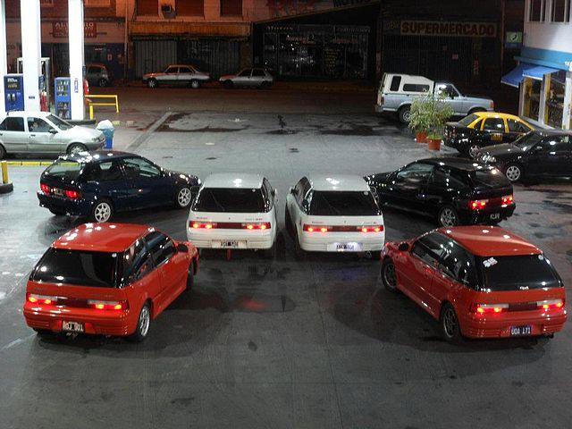 Illegal Street Car Racing In India