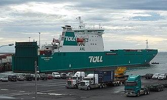 Toll Domestic Forwarding - MV Tasmanian Achiever in 2017