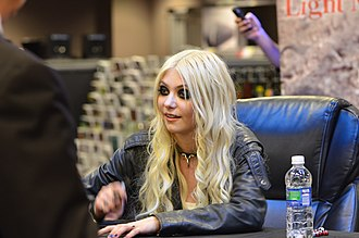 The Pretty Reckless - Momsen on the Light Me Up Tour in April 2011