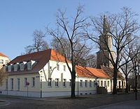 Teltow3 Am Marktplatz und Kirche St Andreas.JPG