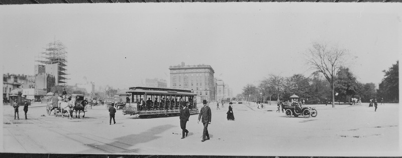 File:The Eighth Avenue trolley, New York City, sharing the street with horse-drawn produce wagon and an open automobile. Down - NARA - 541891.tif