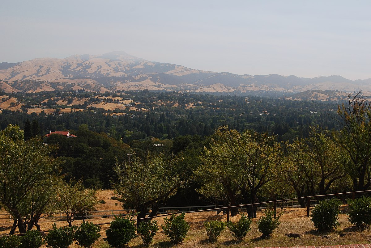 The hazy view from Eugene O'Neill's tao house - panoramio.jpg