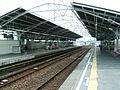 Tokyu-oimachi-line-Nakanobu-station-platform.jpg
